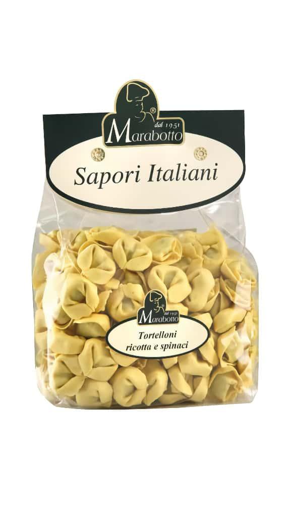 Getrockneten Tortelloni gefüllt mit Ricotta und Spinat